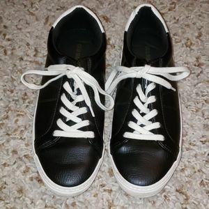 Old Navy faux fur black and white sneakers size 7